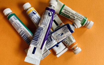 How to read water colour labels